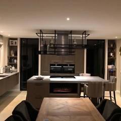 Cocinas equipadas de estilo  por Lars Bartels, Interior & architecture