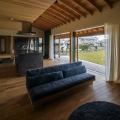 Salas / recibidores de estilo  por ALTS DESIGN OFFICE