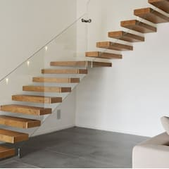 floating staircases:  Stairs by Grand Design Stairs