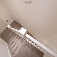 SHEPHERD'S BUSH REAR DOUBLE STOREY EXTENSION, LOFT CONVERSION WITH FULL HOUSE REFURB:  Stairs by The Market Design & Build