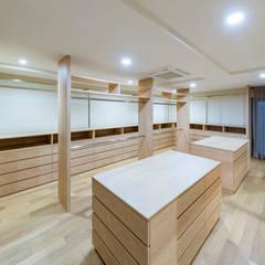 غرفة الملابس تنفيذ 株式会社moKA建築工房