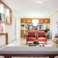 Sala de estar e jantar para apartamento: Salas de estar  por C2HA Arquitetos