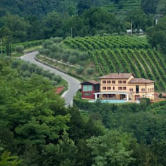 B&B VINERY: Hotel in stile  di DEODARA , Eclettico