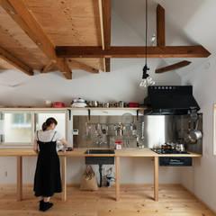 Re:Nakazaki_キッチン: coil松村一輝建設計事務所が手掛けたキッチンです。