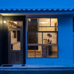 Re:Nakazaki_店舗スペース外観: coil松村一輝建設計事務所が手掛けた家です。