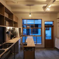 Re:NY: coil松村一輝建設計事務所が手掛けた廊下 & 玄関です。