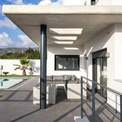 Struikies House: Casas unifamilares de estilo  de OC Arquitectura