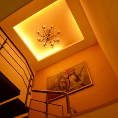 กำแพง by Aesthos Interior Design and Consultancy