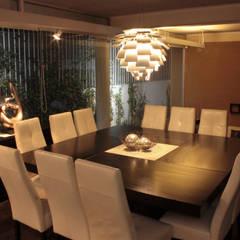Iluminación comedor. Escena 7: Comedores de estilo  por emARTquitectura