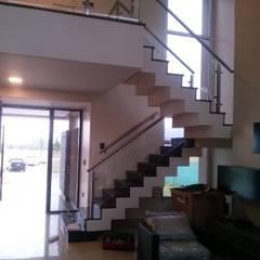 Vivienda en Urbanizacion Privada - Yerba Buena Tucuman de Alejandro Acevedo - Arquitectura Moderno Piedra