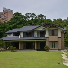 Country house by 翔霖營造有限公司