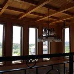 경주 안계리 주택 [행복이 가득한 집]: 나무집협동조합의  거실