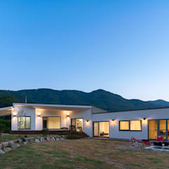 Bungalows by (주)건축사사무소 더함 / ThEPLus Architects