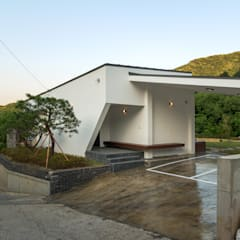 Bungalow by (주)건축사사무소 더함 / ThEPLus Architects