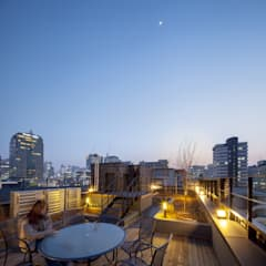 경운동 근린생활시설 - 전망(Brick Mesh): (주)건축사사무소 더함 / ThEPLus Architects의  지붕,모던