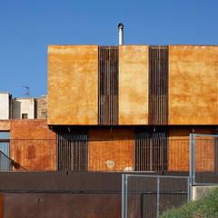 Vivienda de obra nueva: Casas unifamilares de estilo  de ZFA Arquitectura