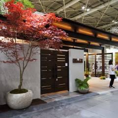 Corridor, hallway by (有)ハートランド