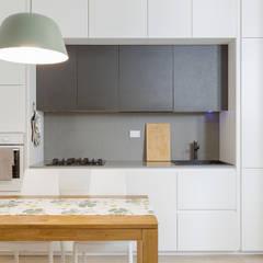 Casa A: Cucina in stile  di Architetto Fulvia Pazzini