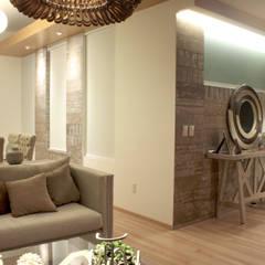 Iluminación. Penthouse AVE.: Paredes de estilo  por emARTquitectura