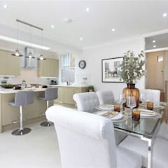 Kitchen extension Richmond:  Dining room by Design and Build London Renovation