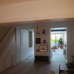 Bespoke House Extension project w4:  Corridor & hallway by Design and Build London Renovation
