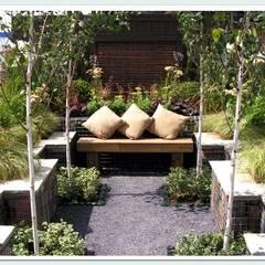 GOLD MEDAL GARDEN - RHS Flower Show 2009:  Garden by Greenvision Garden Design