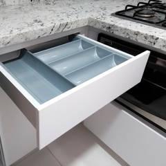 Reforma de cocinas: Cocinas integrales de estilo  por Remodelar Proyectos Integrales, Moderno Granito