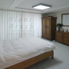 분당구 금곡동 분당하우스토리 63평 아파트 인테리어: 블랑브러쉬의  침실