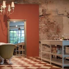 Bad im Nostalgie Stil :  Badezimmer von Traditional Bathrooms GmbH
