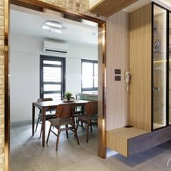 WANG House:  門 by 元作空間設計