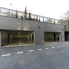 Garage Doors توسط더존하우징, مدرن