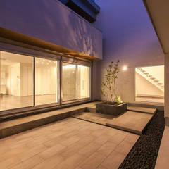 O.M.T. house: Kei設計室が手掛けた壁です。