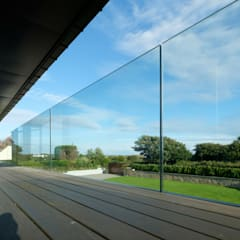 Glass Balustrade:  Balcony by IQ Glass UK