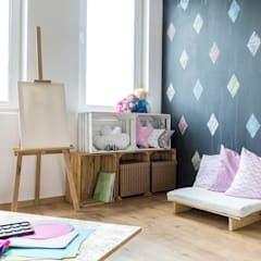 Papel pintado dormitorio infantil: Habitaciones de niñas de estilo  de Klausroom