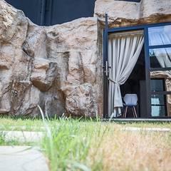 Hoteles de estilo  por Thai studio di Architettura