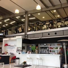 Bars & clubs by Thai studio di Architettura