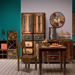 Mobili vintage: Soggiorno in stile  di nuovimondi di Flli Unia snc