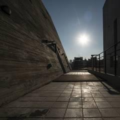 Centinnial _ 상가주택: 건축사사무소 이가소 / igaso architects & planners 의  다가구 주택
