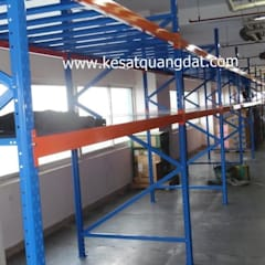 Projekty,  Przestrzenie biurowe i magazynowe zaprojektowane przez Kệ Sắt Quang Đạt