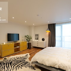 강남구 도곡동 대림아크로빌 54평 아파트 인테리어: 더집디자인 (THEJIB DESIGN)의  침실