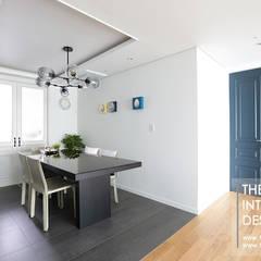 분당구 정자동 삼성 아데나루체 49평 아파트 인테리어: 더집디자인 (THEJIB DESIGN)의  다이닝 룸