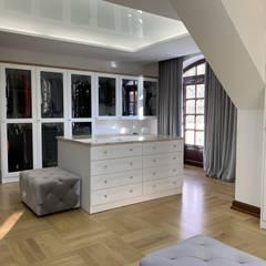 Garderoba: styl , w kategorii Garderoba zaprojektowany przez Fabryka Wnętrz