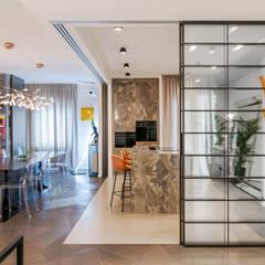 : Cucina in stile  di MODO Architettura