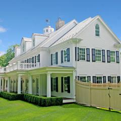 Custom Colonial Home, Westport CT by DeMotte Architects:  Houses by DeMotte Architects, P.C.