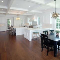 Custom Colonial Home, Westport CT by DeMotte Architects:  Kitchen by DeMotte Architects, P.C.