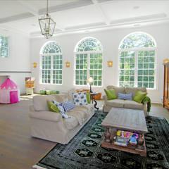 Custom Colonial Home, Westport CT by DeMotte Architects:  Living room by DeMotte Architects, P.C.