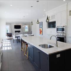 Cocinas de estilo  de DeMotte Architects, P.C.