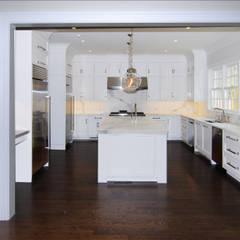 Nhà bếp by DeMotte Architects, P.C.
