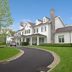 Custom Colonial, Greenwich, CT by DeMotte Architects:  Houses by DeMotte Architects, P.C.