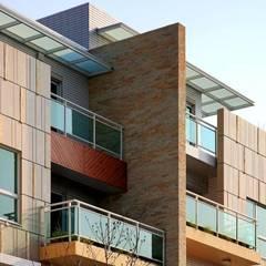 Houses by 大桓設計顧問有限公司, Modern Marble